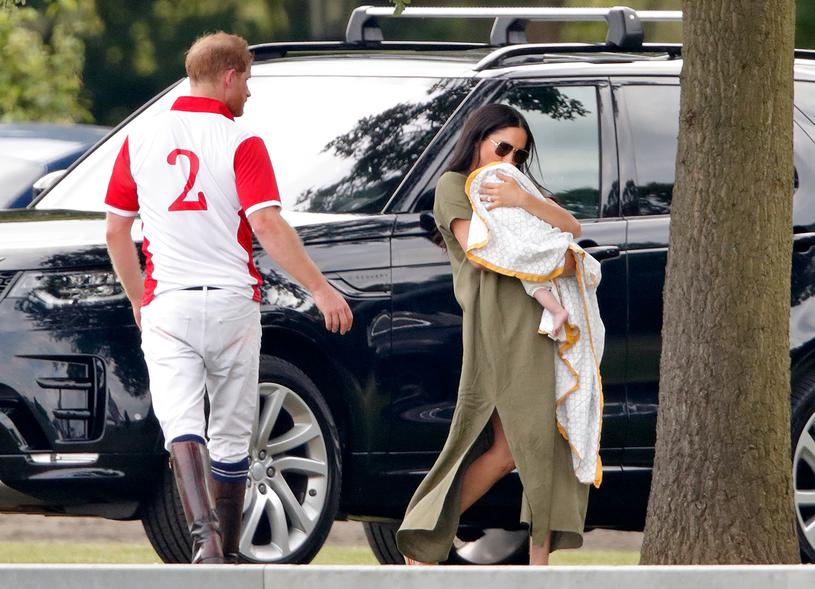 Książę Harry i Meghan Markle z synkiem /Max Mumby/Indigo /Getty Images