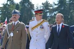 Książe Harry składa hołd bohaterom na Monte Cassino
