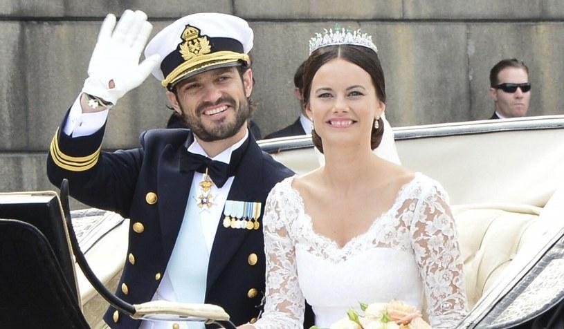 Książę Karol Filip i księżniczka Zofia w dniu swojego ślubu w 2015 roku /FaceToFace /Reporter