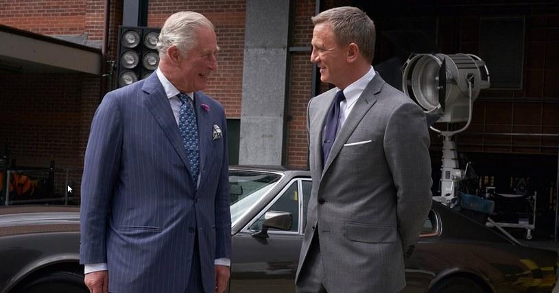 Książę Karol i Daniel Craig, filmowy James Bond (Twitter) /materiały prasowe