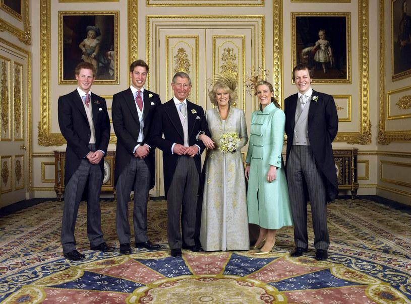 Książe Karol i księżna Camilla z dziećmi /Anwar Hussein Collection/ROTA / Contributor /Getty Images