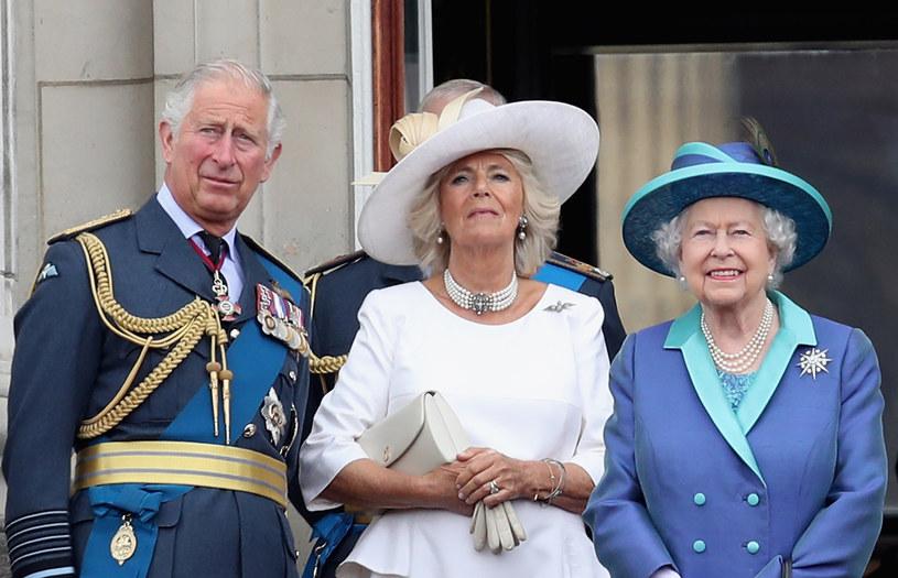 Książę Karol, księżna Camilla i królowa Elżbieta II /Chris Jackson /Getty Images