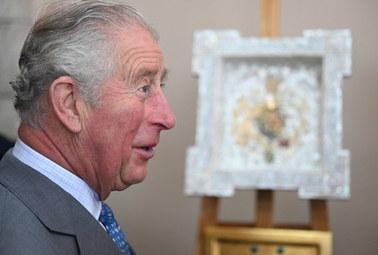 Książę Karol ma koronawirusa. Podano, kiedy spotkał się z królową Elżbietą II