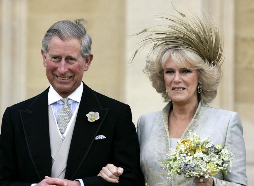 Książe Karol również już niejednokrotnie został posądzony o częste zaglądanie do kieliszka /Anwar Hussein/ WireImage /Getty Images