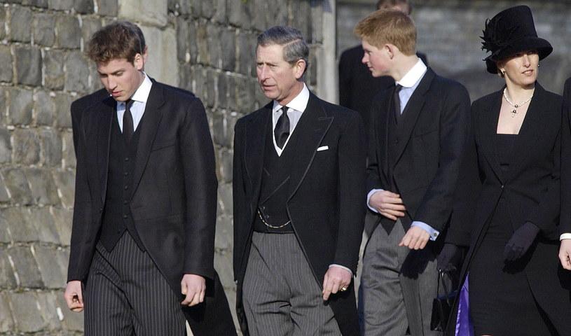 Książę Karol wraz z synami najprawdopodobniej ubrani będą zgodnie z protokołem /Getty Images
