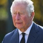 Książę Karol zniknął po pogrzebie. Śmierć ojca przeżywa z dala od rodziny