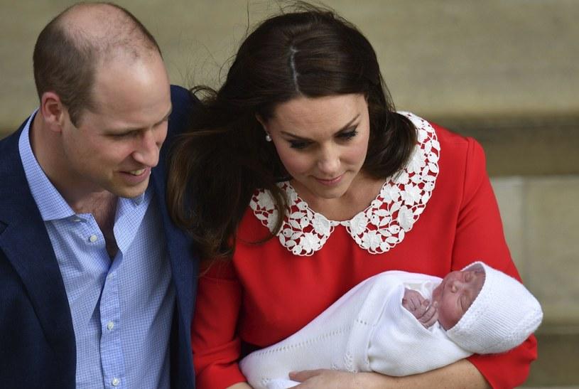 Książę Louis to trzecie dziecko Kate i Williama /East News