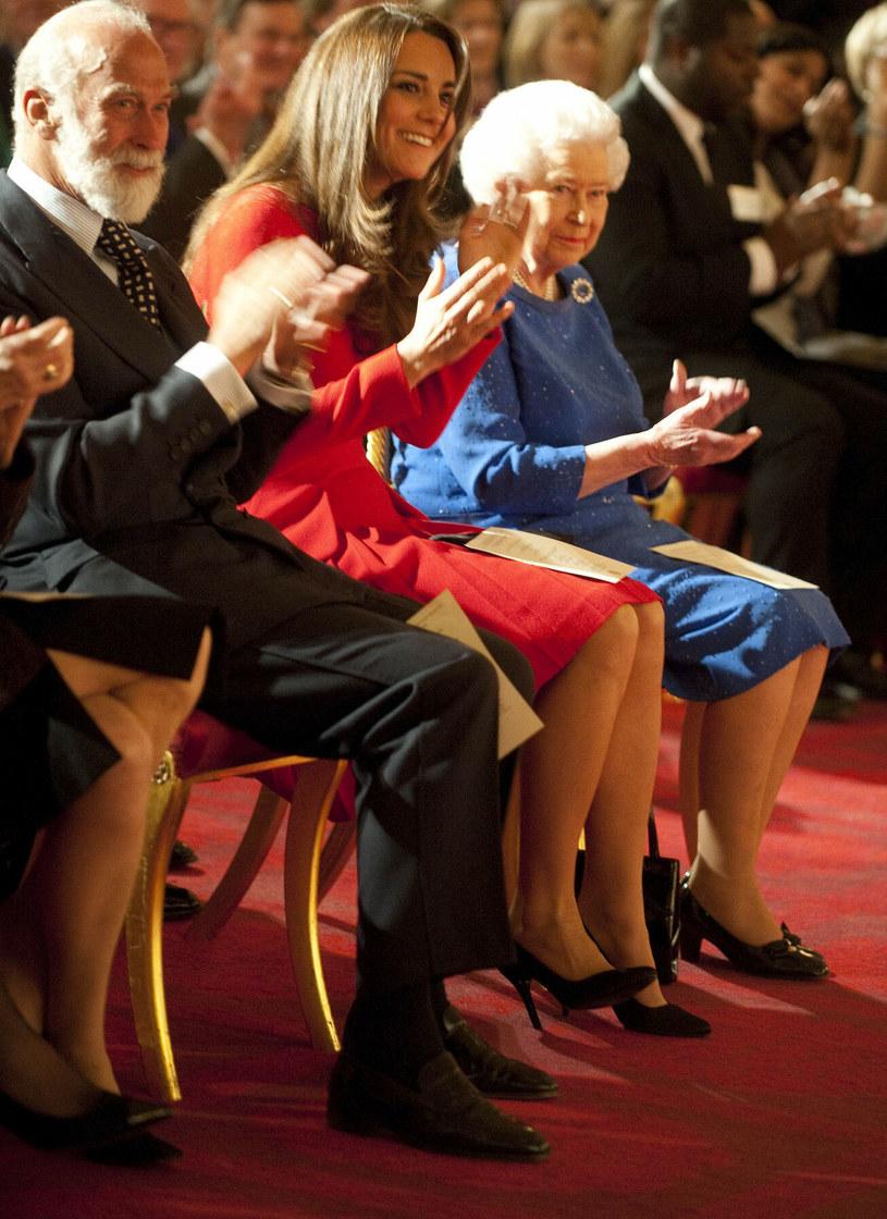 Książę Michał z Kentu w towarzystwie księżnej Kate i królowej Elżbiety /Associated Press /East News