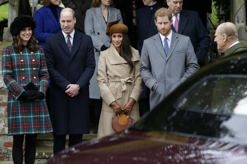Książę William i Harry chcą pogodzić się dla dobra dzieci. Chcą by kuzynostwo miało ze sobą kontakt /AP /East News