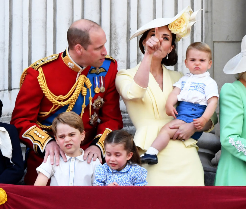 Książę William i Kate z dziećmi /Anwar Hussein/ WireImage /Getty Images