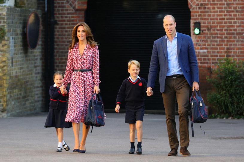 Książę William i Kate z księciem Georgem i księżniczką Charlotte /Aaron Chown  /Getty Images