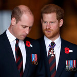 """Książę William i książę Harry: """"Obaj bracia zostali skrzywdzeni przez swoje wychowanie""""! Kulisy wojny pomiędzy braćmi!"""