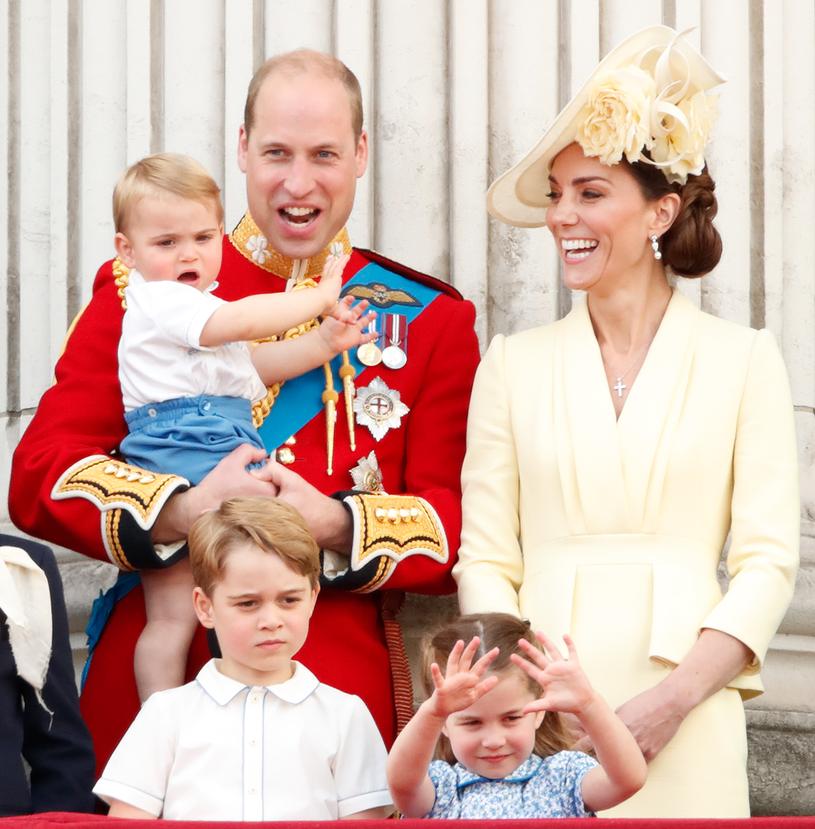 Książę William i księżna Kate z dziećmi /Max Mumby/Indigo /Getty Images