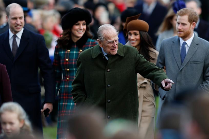 Książę William, księżna Kate, książę Filip, księżna Meghan i książę Harry /AFP PHOTO /East News