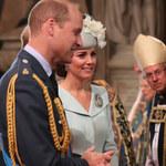 Książę William śmieje się podczas mszy świętej. Wideo obiegło internet!
