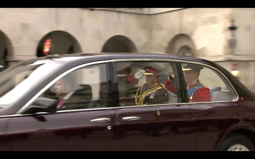 Książę William w drodze do Opactwa Westminster  /AFP