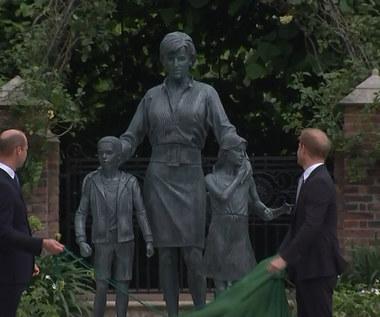 Książęta Harry i William odsłonili pomnik swojej matki, księżnej Diany
