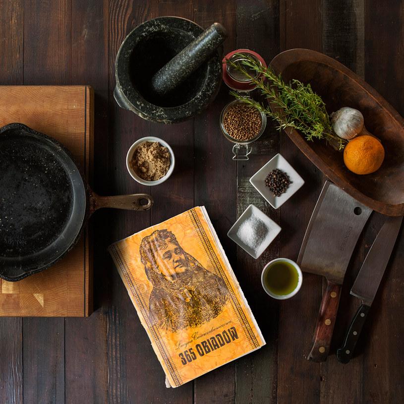 """Książka """"365 obiadów"""" odniosła niebywały sukces /materiały prasowe"""