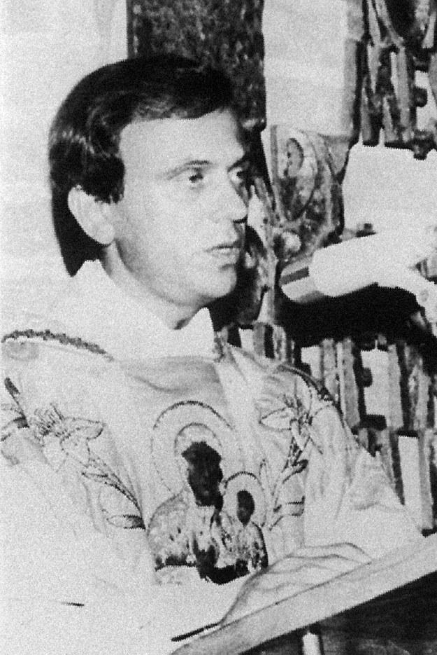 Księdza Jerzego Popiełuszkę zamordowali funkcjonariusze SB w nocy z 19 na 20 października 1984 roku. /AFP