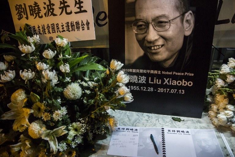 Księga kondolencyjna /AFP