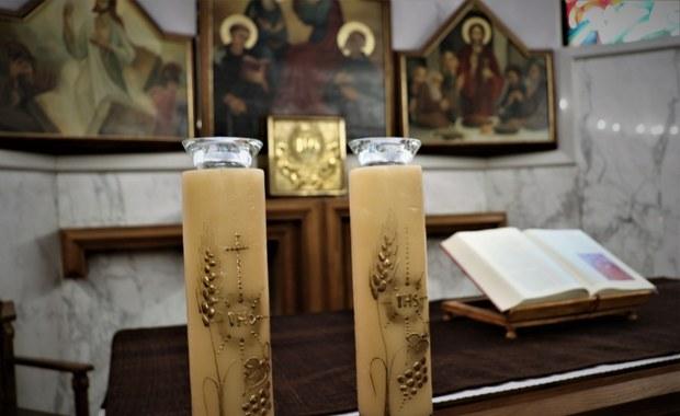 Księża odprawią 46 mszy jednego dnia. Na każdej po 5 osób