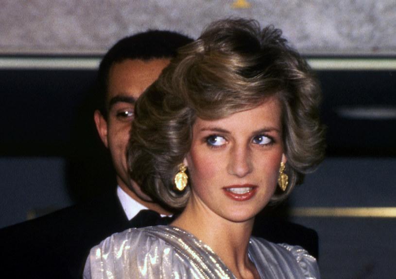 Księżna Diana była piękną kobietą. Nic dziwnego, że jej osobowość i styl inspirowały mnóstwo osób /AP /East News