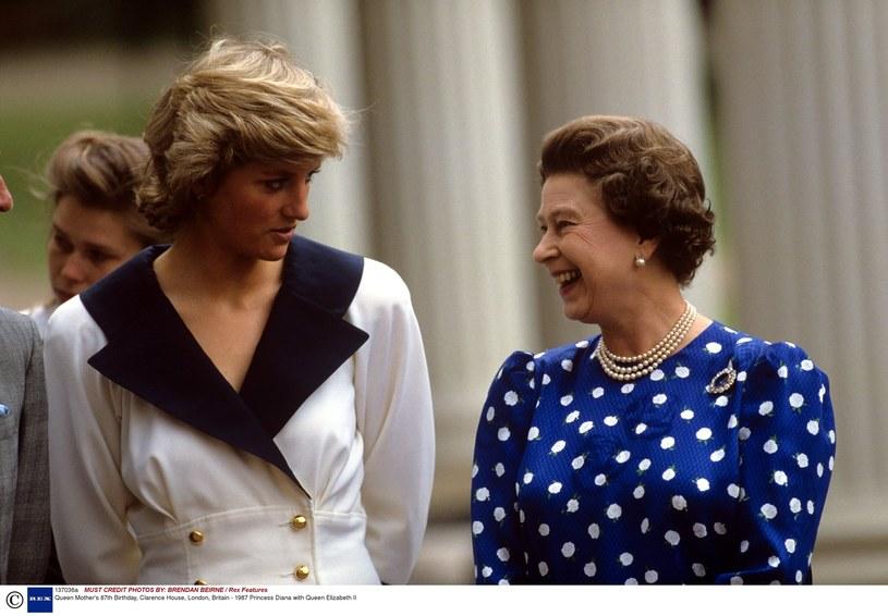 Księżna Diana i królowa Elżbieta II /East News