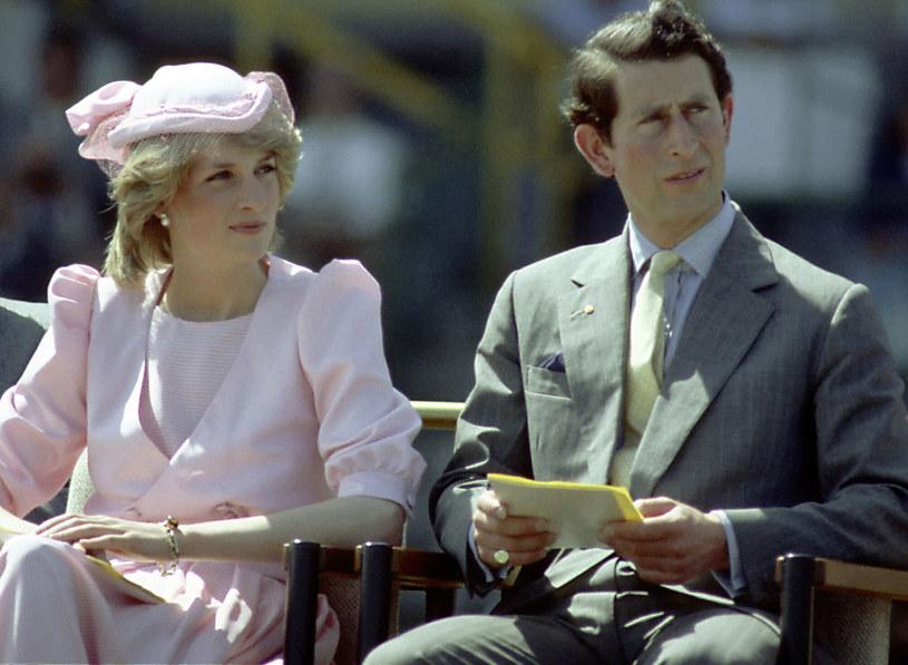Księżna Diana i Książę Karol nie byli szczęśliwym małżeństwem /Patrick Riviere /Getty Images