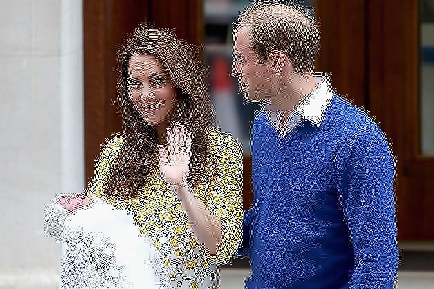 Księżna Kate i książę Wiliam z córką /Anwar Hussein /Getty Images