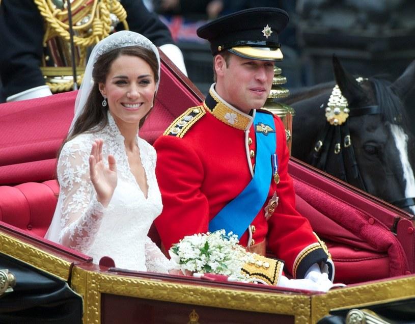 Księżna Kate i książę William w dniu ślubu /Andrew Cowie /Reporter