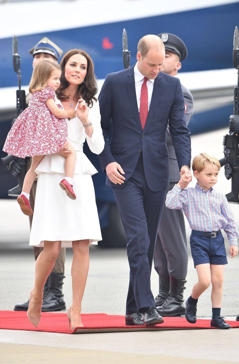 Księżna Kate i książę William wraz z dziećmi w Warszawie /East News