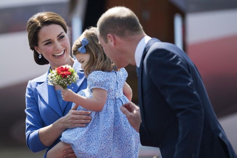 Księżna Kate, książę William i ich córeczka księżniczka Charlotte /East News