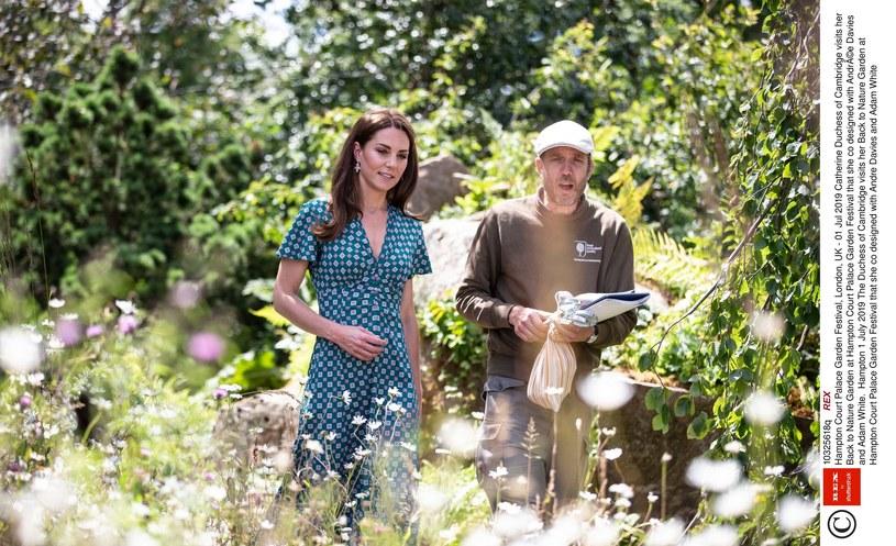 Księżna Kate na najnowszych fotkach /Rex Features /East News