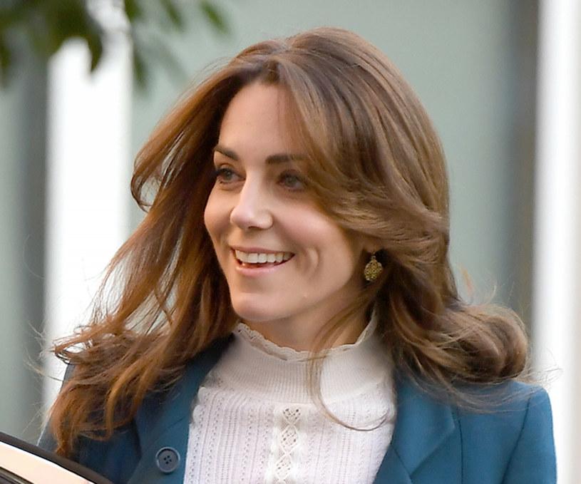 Księżna Kate od lat stawia na grzywkę w stylu curtain fringe /SplashNews.com /East News