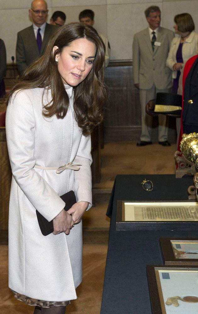 Księżna Kate próbuje skupić się na sobie i dziecku, ale nie może zapomnieć o swojej pielęgniarce /WPA Pool /Getty Images