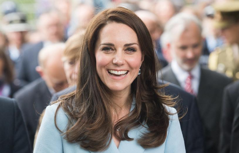 Księżna Kate rozpoczyna dzień od zielonego soku, którego podstawą jest jarmuż /Getty Images