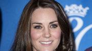 Księżna Kate spopularyzowała... grube, czarne rajstopy