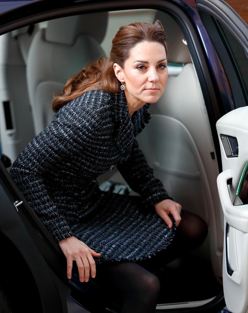 Księżna Kate w kostiumie marki Dolce&Gabanna /Getty Images