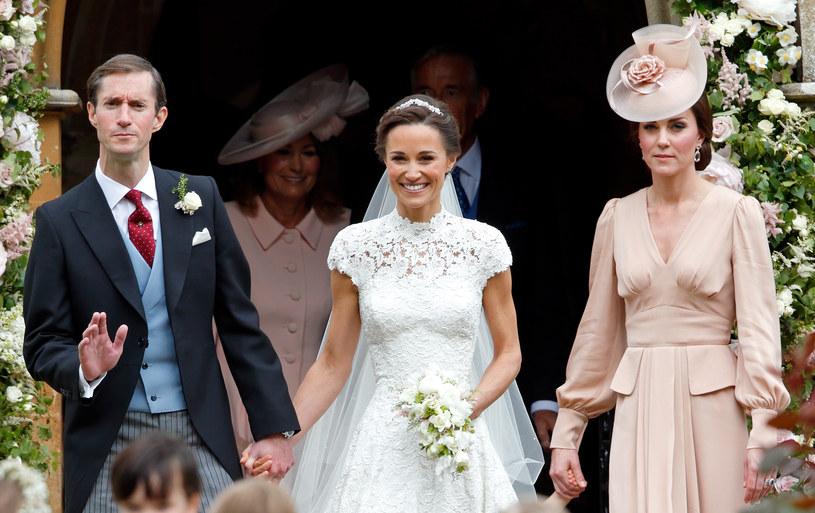 Księżna Kate wspierała Pippę podczas jej ślubu. Starała się dodać jej otuchy, tak jak zrobiła jej siostra, gdy Kate wychodziła za Williama /Max Mumbly /Getty Images