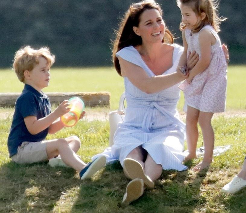 Księżna Kate z George'm i Charlotte /Max Mumby/Indigo /Getty Images