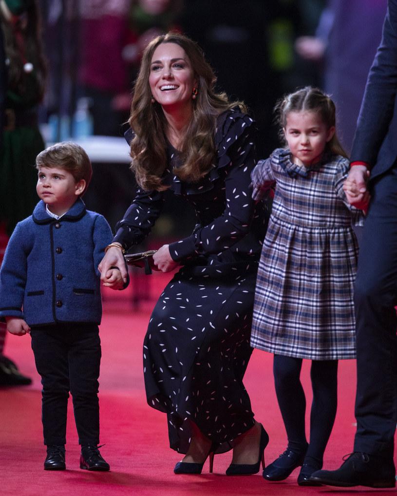 Księżna Kate z księżniczką Charlotte i księciem Louisem /WPA Pool /Getty Images