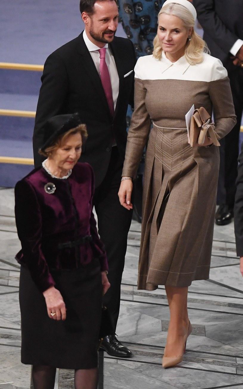Księżna Mette-Marit wraz z mężem tworzą kochające się małżeństwo /Rune Hellestad- Corbis/ Corbis /Getty Images