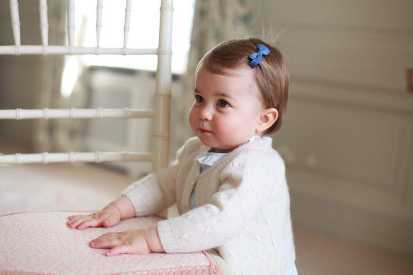 Księżniczka Charlotte przed pierwszymi urodzinami /REX/Shutterstock /East News