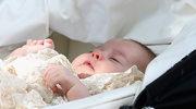 Księżniczka Charlotte skończyła roczek! Z tej okazji Pałac Kensington opublikował najnowsze zdjęcia. Ich autorką jest oczywiście księżna Kate.