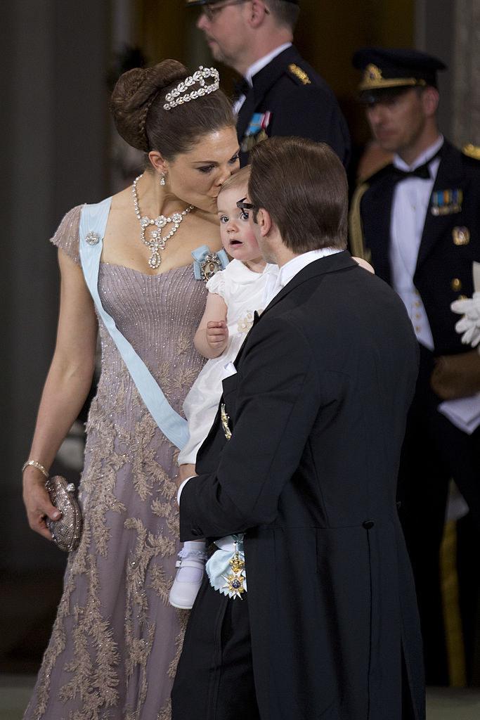 Księżniczka Estelle miała niegroźny wypadek, gdy świętowała wraz z rodziną Nowy Rok /Julian Parker/UK Press  /Getty Images