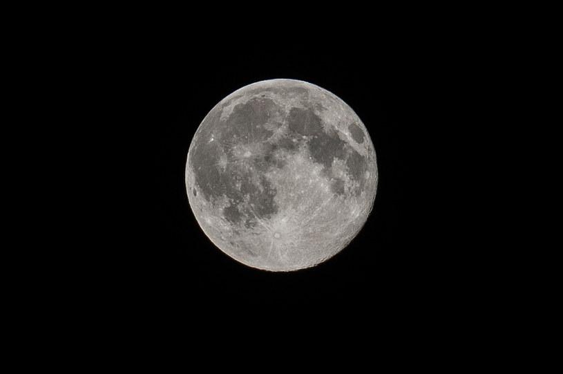 Księżyc; Zdj. ilustracyjne /Bartłomiej Kudowicz /Agencja FORUM