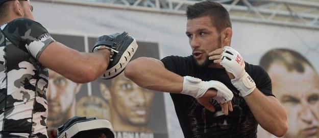 KSW 46: Mateusz Gamrot mistrzem dwóch kategorii wagowych, Chalidow kończy karierę