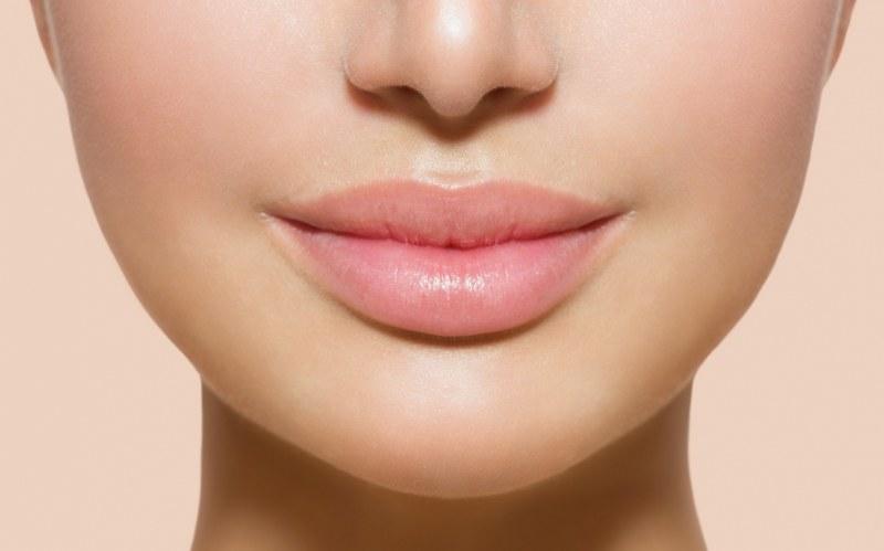 Kształt ust a osobowość /© Photogenica