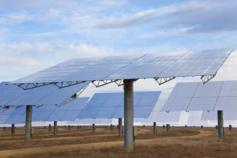 Kto kupuje, a kto sprzedaje farmy słoneczne w Polsce? /Darren Baker /© Glowimages