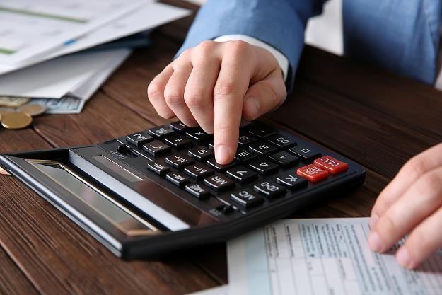 Kto nie zapłaci sprzedawcy w ciągu 90 dni, będzie musiał zwiększyć przychody do opodatkowania /Dziennik Gazeta Prawna